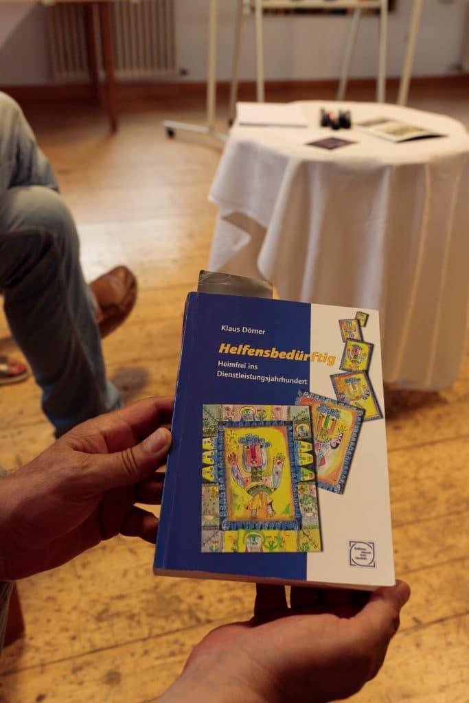 Buchempfehlung: Helfensbedürftig - Heimfrei ins Dienstleistungsjahrhundert  von Klaus Dörner