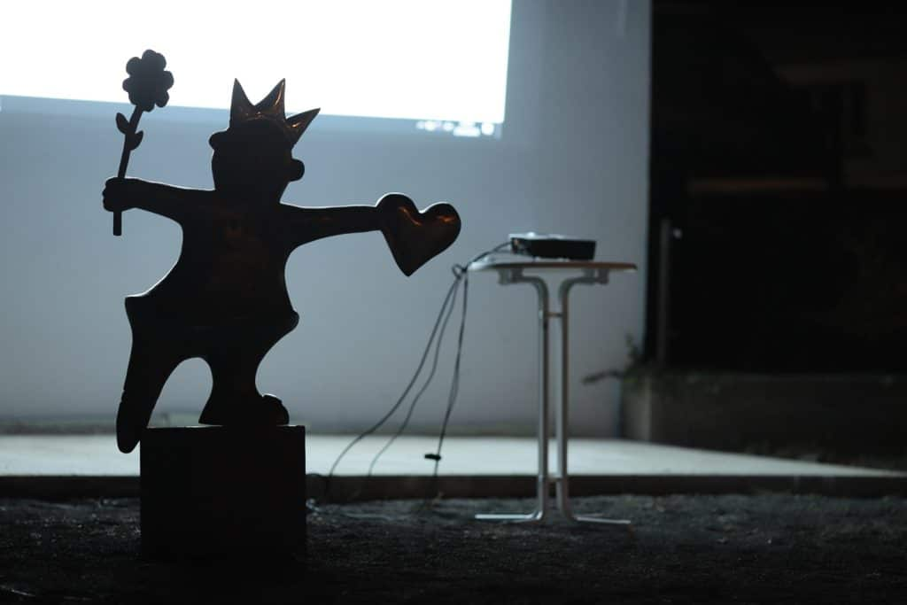 Kleine Tänzerin - Bronze von Carin Grudda